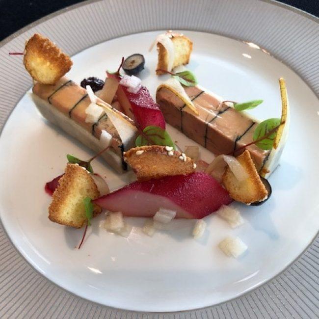 Marbré de foie gras, poire et réduction de vin rouge