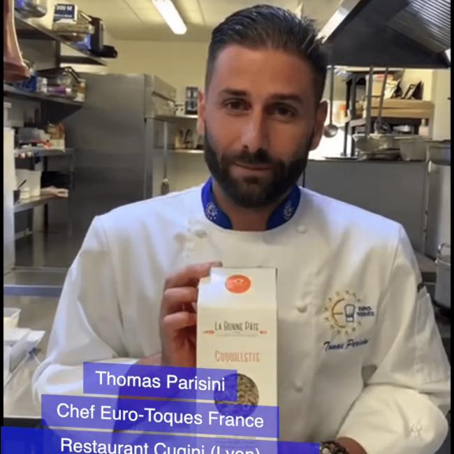 « Un chef dans mon assiette » … Tomas Parisini et sa recette de coquillettes au parmesan