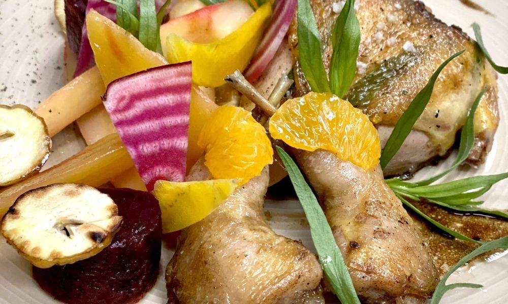Cailles rôties à l'estragon, betteraves aux châtaignes et marmelade de clémentines