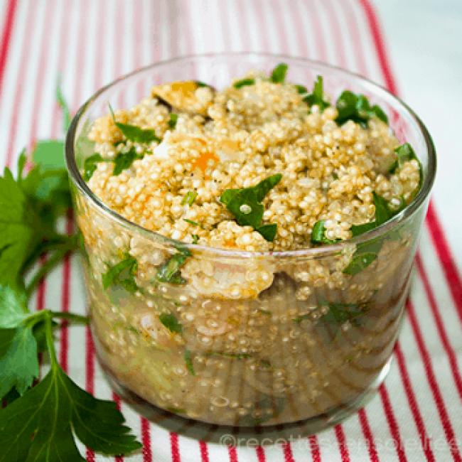 Salade de quinoa gourmand aux fruits secs