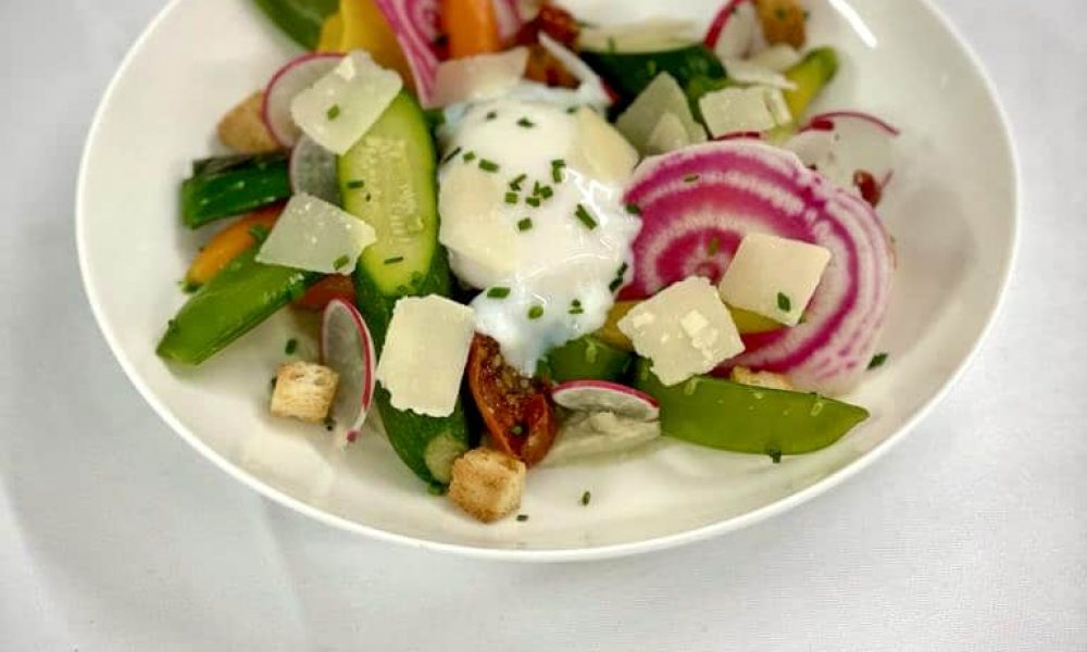Multicolore de légumes, œuf parfait