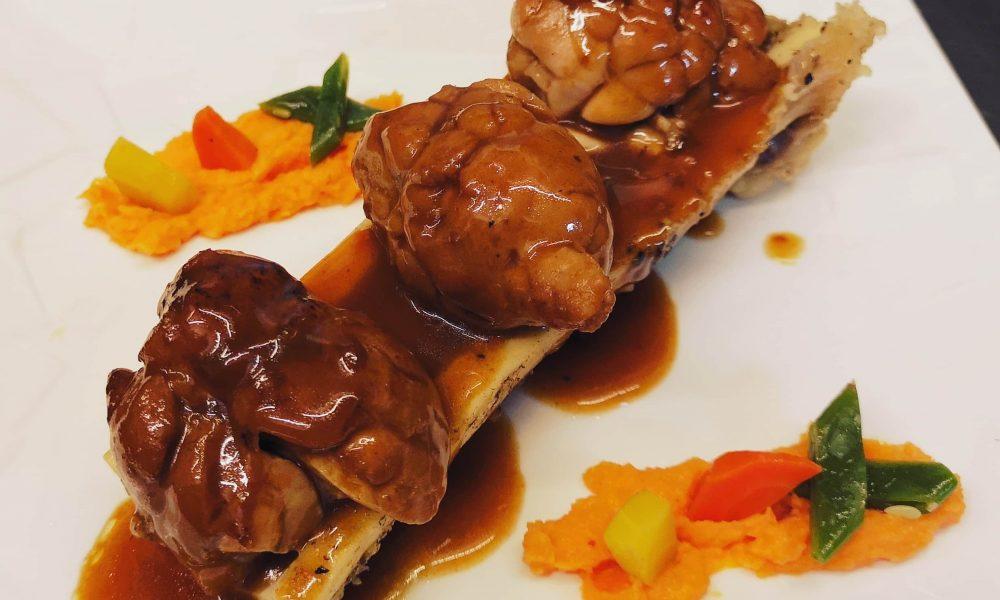 Noix de ris de veau braisé au Porto, Os à moelle de bœuf et purée de carottes